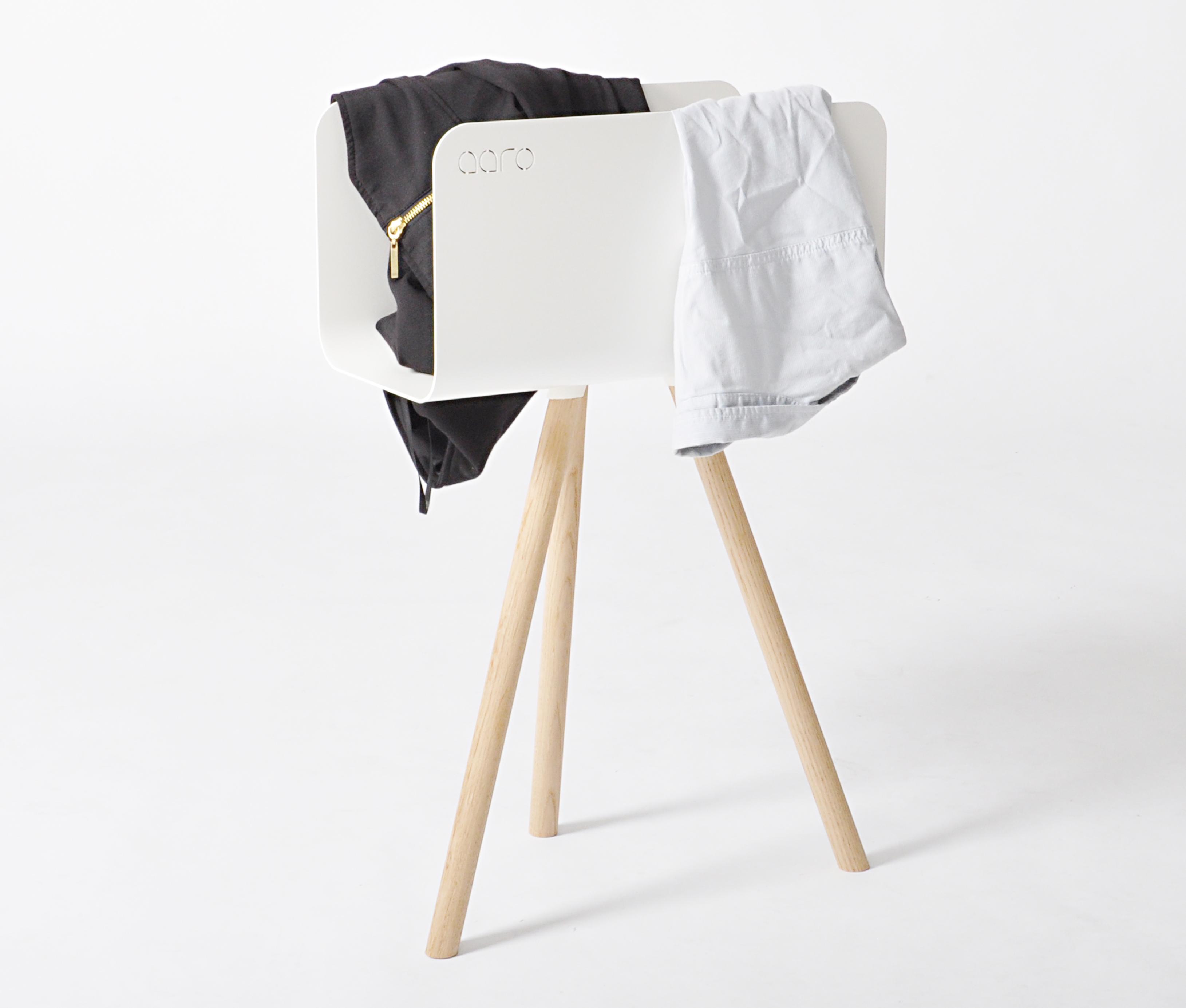 beh lter f r kaminholz tri mit bein schwarz nussbaum storage furniture tri with leg. Black Bedroom Furniture Sets. Home Design Ideas